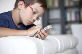 Είναι βλαπτική η χρήση των κινητών και των ασύρματων σταθερών τηλεφώνων;