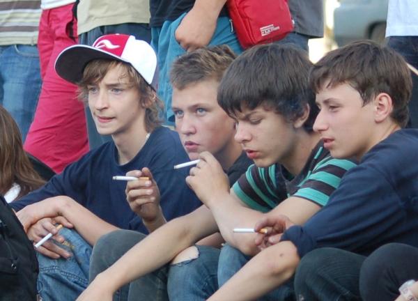 Ευαισθητοποίηση της οικογένειας με στόχο την πρόληψη του καπνίσματος στην εφηβική ηλικία